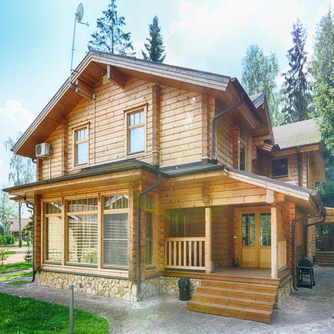 Constructie case lemn